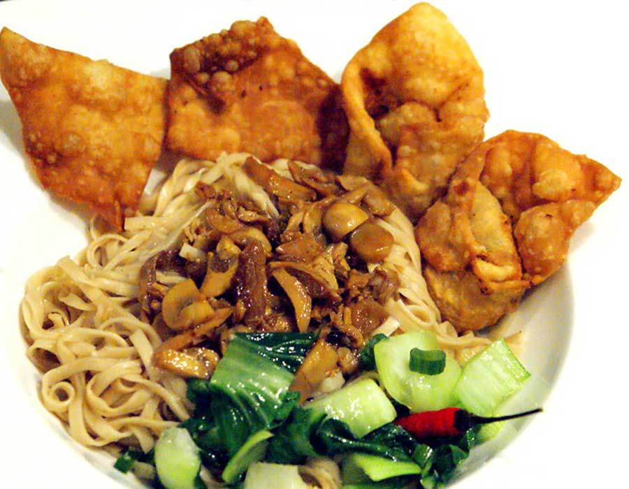 Indonesiches Buffet<br> Mie Pangsit Goreng Atau